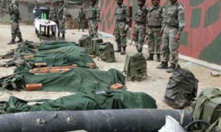 কাশ্মীরে ২ স্বাধীনতাকামীকে হত্যা করতে গিয়ে কর্নেল-মেজরসহ ৫ ভারতীয় সেনা নিহত