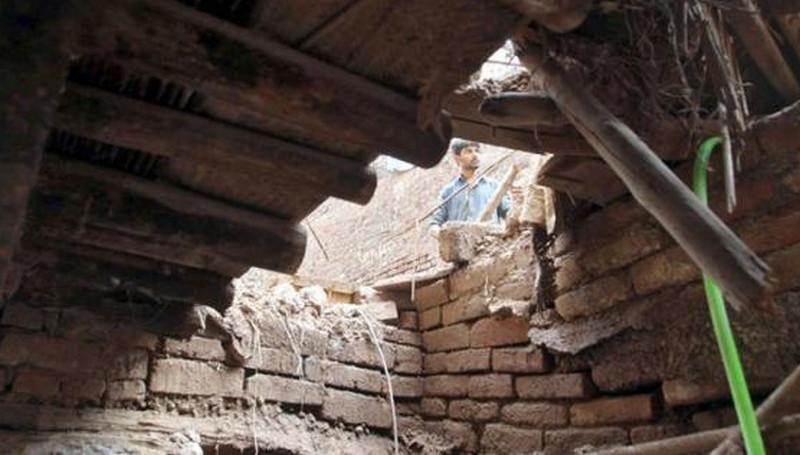 পাকিস্তানে ছাদ ভেঙ্গে পড়ে মাদরাসার ৭ কিশোর শিক্ষার্থী নিহত
