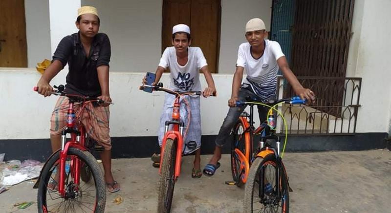করোনাকালে ৪০ দিন জামাতে নামাজ পড়ে সাইকেল পেল গাজীপুরের ৩ কিশোর